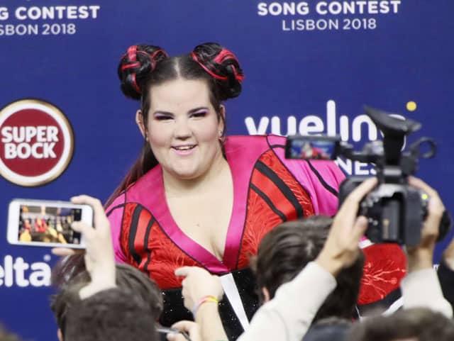 נטע ברזילי זוכת האירוויזיון 2018, Netta, נטע ברזילי, Netta Barzilai, TOY, מגזין אופנה, מגזין אופנה ישראלי, Efifo, אופנה - netta barzilai eurovision, netta toy, Netta wins Eurovisiont 2018, הגולגולים של נטע ברזילי -81