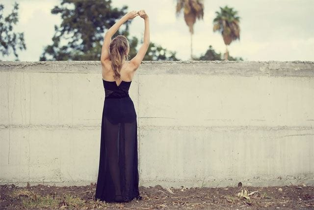 אופנת נשים: רותם קשני מעצבת שמלות מכל הלב-1-1
