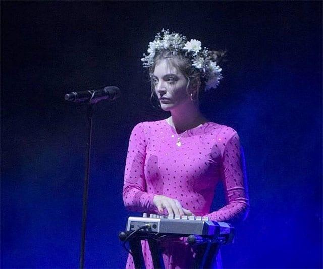 בצילום: הזמרת לורד (Lorde). צילום: אינסטגרם