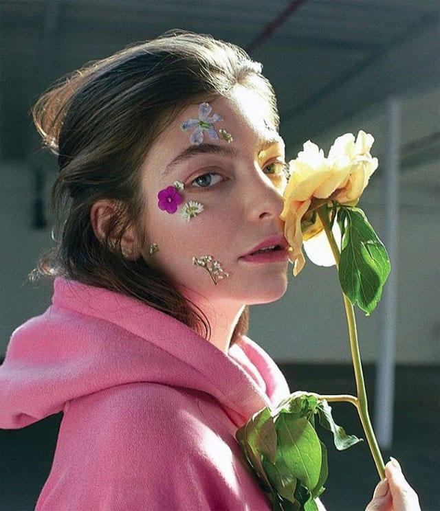בצילום: הזמרת לורד (Lorde). צילום: אינסטגרם - 1