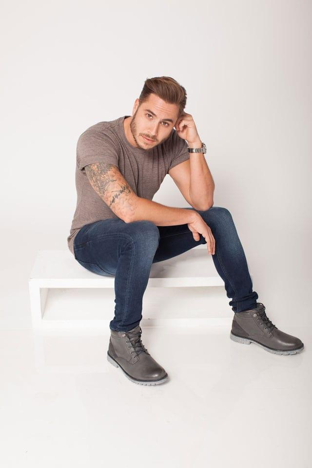 מגזין אופנה: טום אביב המאסטר שף של ישראלנבחר להוביל את הקו הגברי והצעיר של רשת נעלי TOGO-3