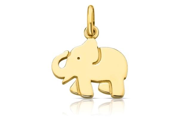 בצילום: TOUS. תליון פיל זהב. מחיר: 365 שקל. צילום: יח״צ חו״ל