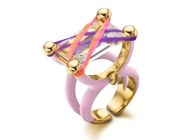 טבעת צבעונית TOUS. צילום יחצ נטע ברזילי טבעת, מגזין אופנה, מגזין אופנה ישראלי, Fashion, Netta Rinng, Efifo