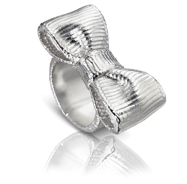 טבעת כסף פפיון של TOUS, טבעת כסף פפיון, מחיר: 930 שקל. צילום יחצ חול
