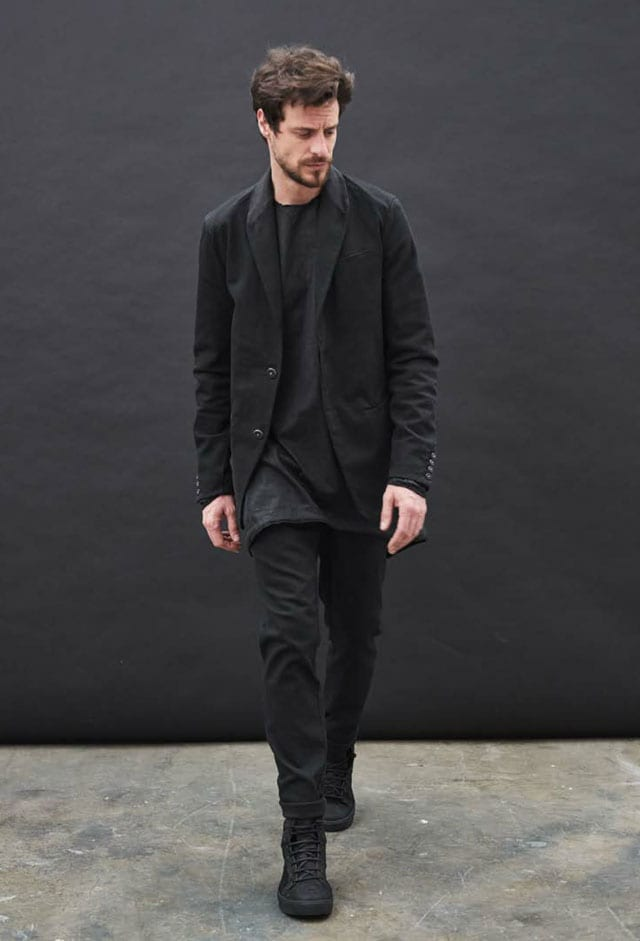 TRANSIT לבוטיק IIN7. ז'קט: 2870 שקל, חולצה: 1560 שקל, מכנסיים: 995 שקל. צילום: יחצ חו״ל