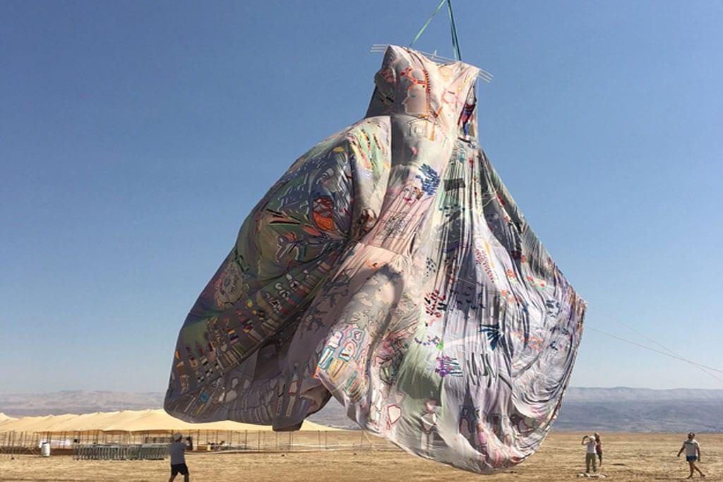 השמלה הגדולה ביותר בעולם. ״נשים עושות שלום״. צילום: ענת נגב-2