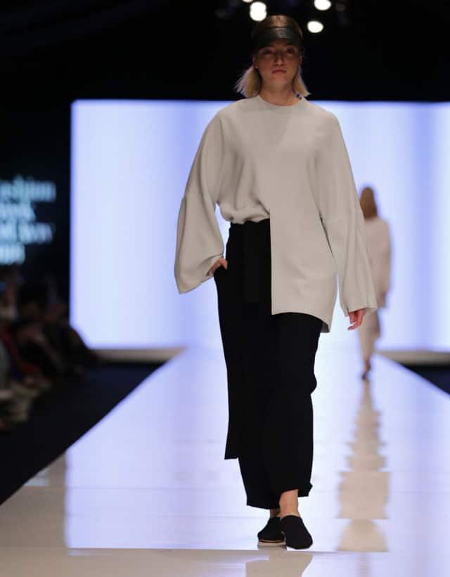 שבוע האופנה תל אביב. עדי בנג'ו. צילום: אבי ולדמן -2