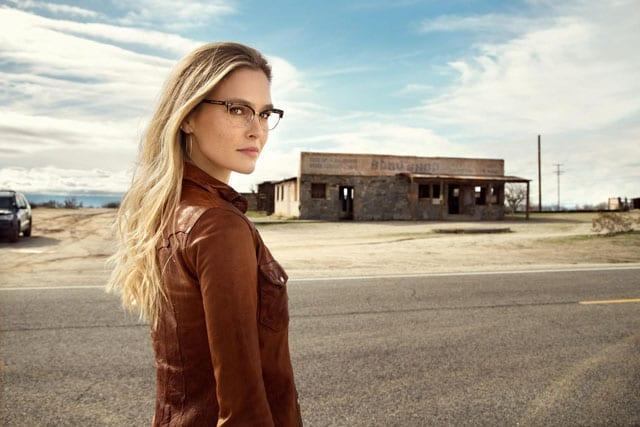 """בצילום: בר רפאלי תככב בקמפיין קרולינה למקה יחד עם ג'רמי מיקס'' """"האסיר החתיך בעולם"""" צילום: יח״צ"""