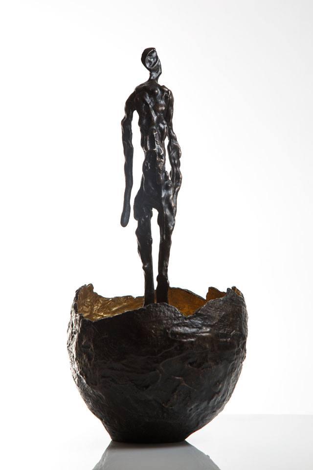 פסל של אילנה פתאל
