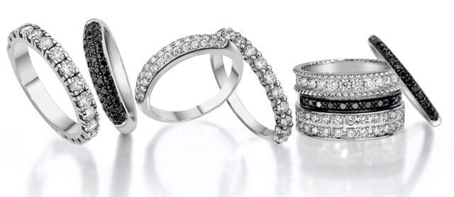 טבעת יהלומים לנשף פרום של MILLER. זהב לבן 18 קארט ויהלומים. צילום: לטלייר - טבעת יהלומים לנשף פרום של MILLER. זהב לבן 18 קארט ויהלומים. צילום: לטליירטבעת יהלום לנשף פרום של MILLER. מחיר: 1,650 שקל. צילום: לטלייר, טבעת זהב, טבעת יהלומים, טבעת לנשף פרום של MILLER, תכשטים לנשף פרום, Ring, jewelry, טבעת עגולה, טבעת יהלום, אופנה, פרום, prom, אתר אופנה, fashion, תכשיטים