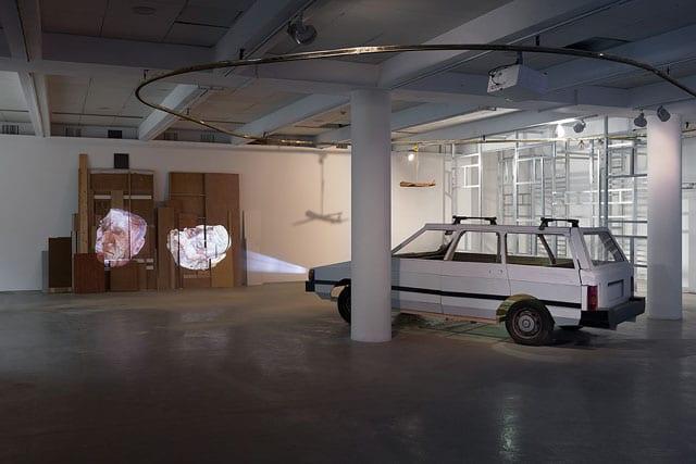 ביתן הלנה רובינשטיין לאמנות בת זמננו: סביבות עבודה-1