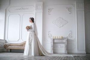 בצילום: שמלת כלה של מושקי רסקין. צילום: יחזקאל איטקין