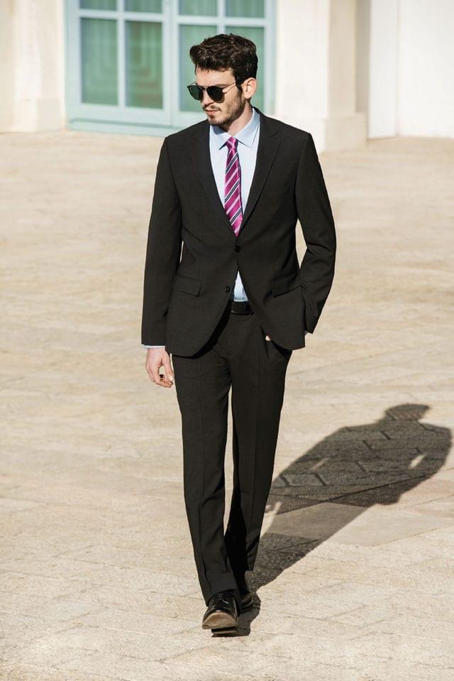חליפת חתן של פולגת. צילום: עידו לביא, אתר אופנה, EFIFO, 4