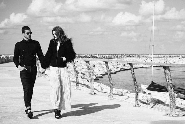 היא: מעיל-זארה, שמלה- אוסף פרטי, נעלים- טו גו. הוא: ג'ינס וחולצה-רנואר