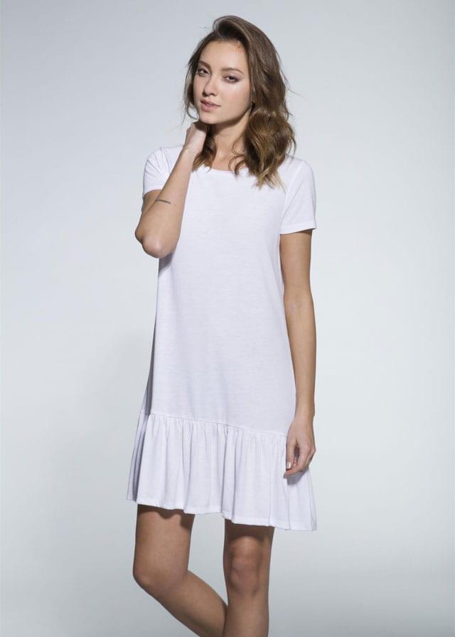 שמלה לבנה של תמנון. מחיר: 35 שקל. צילום איתן טל