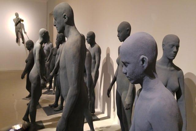 """שיח גלריה בתערוכת הפיסול הגדולה של עפרה צימבליסטה - """"המופע הגדול"""" - במוזיאון הפתוח בגן התעשייה תפן-5"""