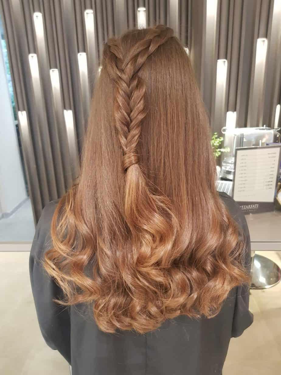צמות משוחררות, עם גלים מוברשים. עיצוב שיער: גיא צרפתי. צילום: יח״צ