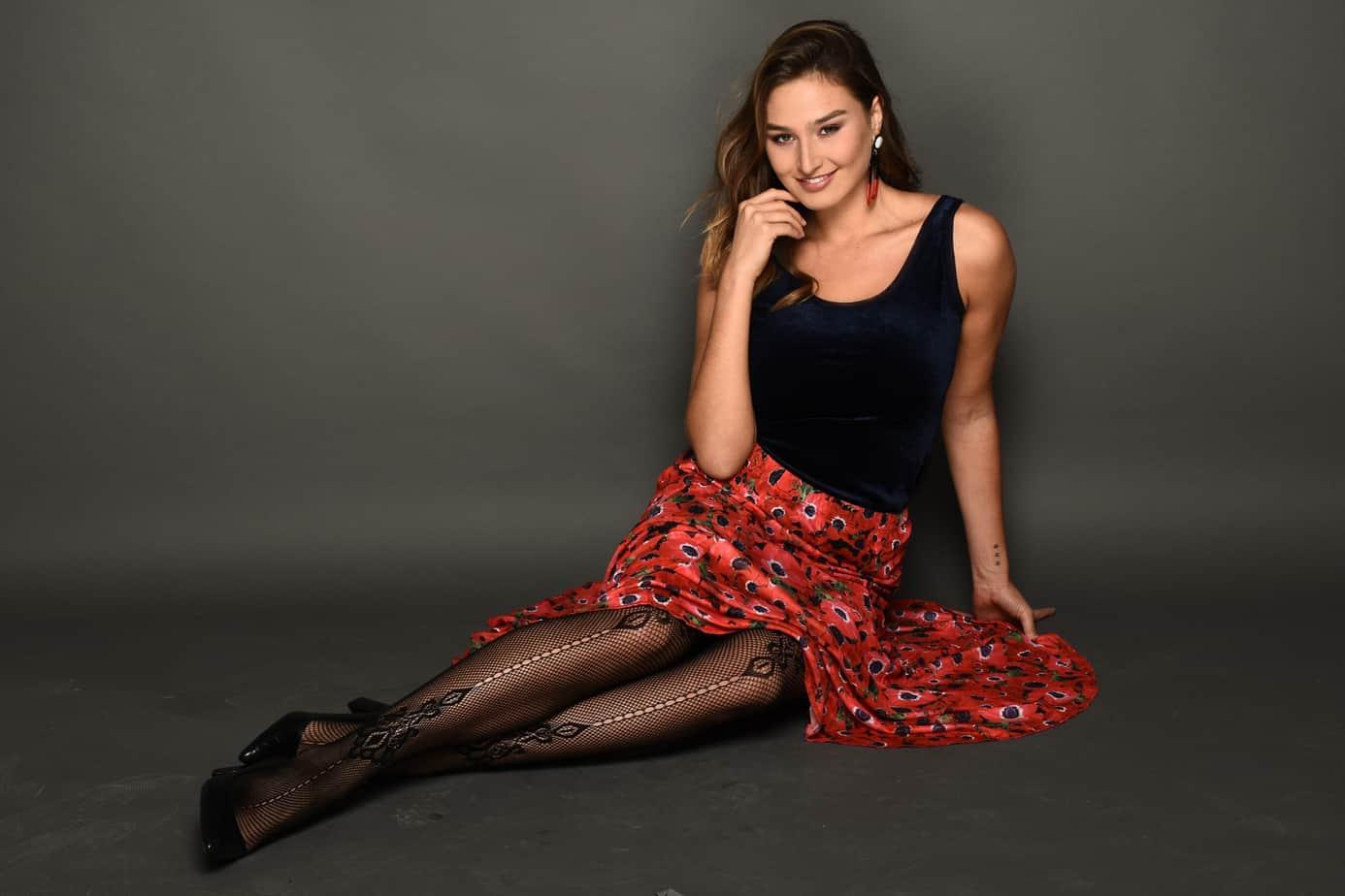 רעומה קולקציית חורף 2018-19. צילום: צחי וזאנה, גופיה קטיפה חצאית כלנית