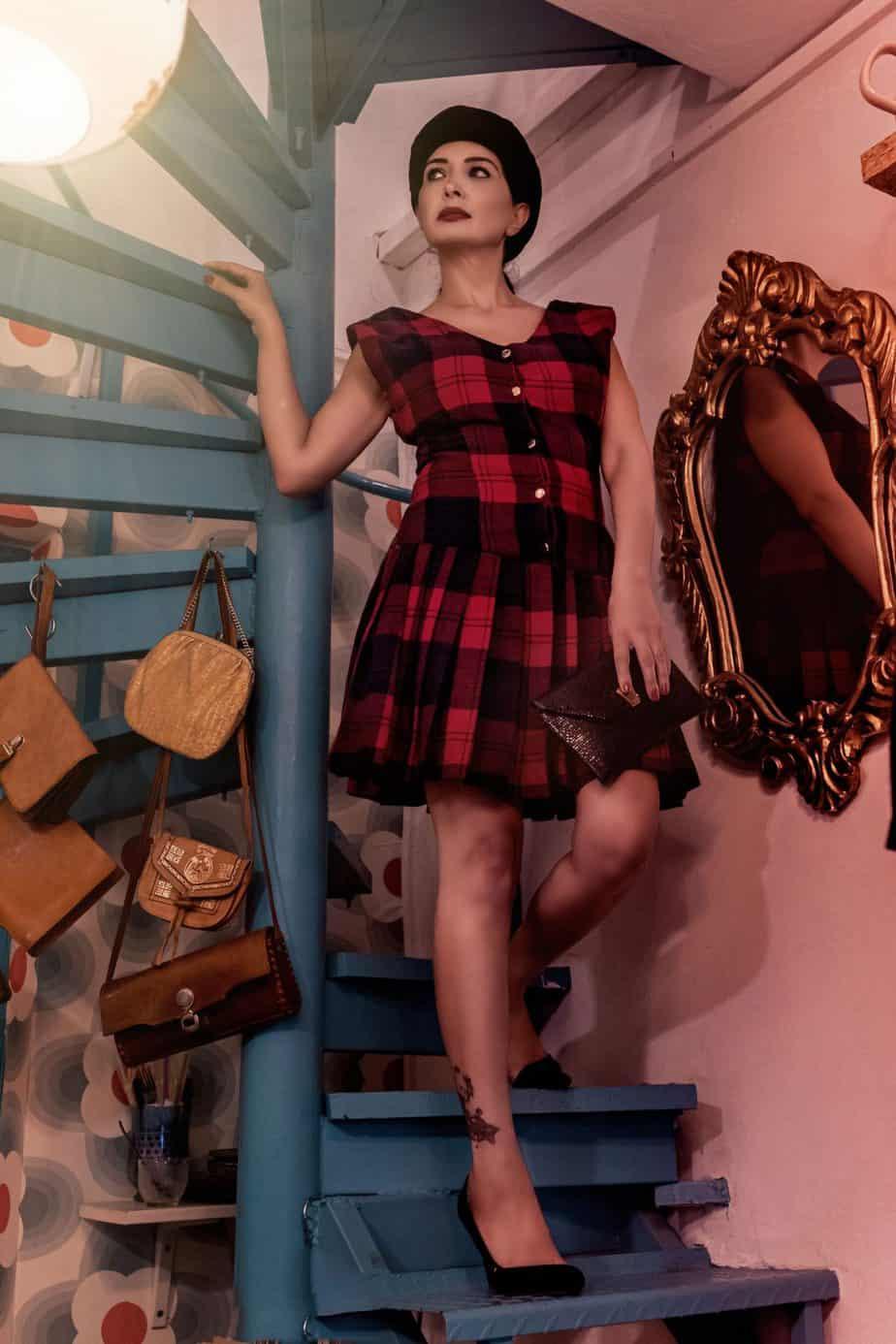 שמלה_סקוטית_שנות_ה-_60. בטי בארץ הוינטג׳. מאיה אושרי כהן. צילום: Gennadiy Tsodik