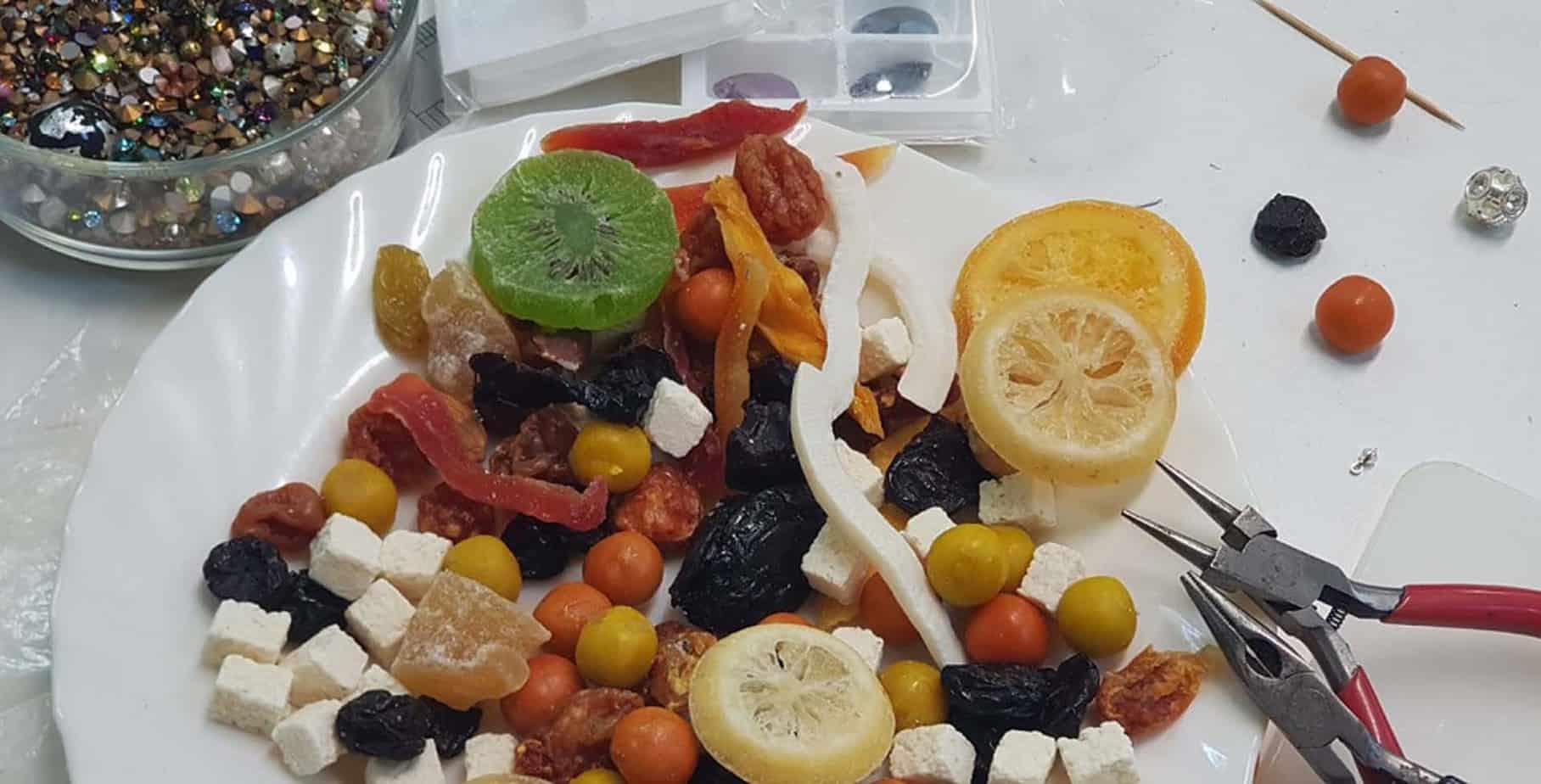 קולקצית תכשיטי פירות לטו בשבט של המעצבת ענת פרץ--צילום יחצ