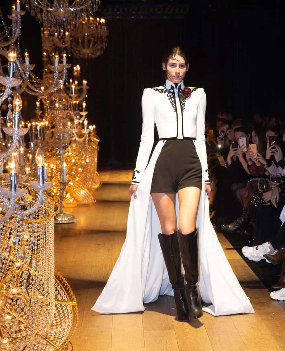 השמלה שעצרה את נשימתנו ואת נשימת רוב הקהל הצופה בתצוגה. קיי קיי קוטור, צילום שגב אורלב
