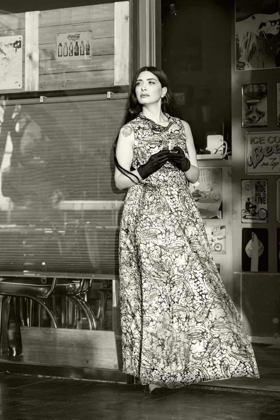 שמלה מקסי סבנטיז, מאיה אושרי כהן, אופנה שנות השבעים,צילום Gennadiy Tsodik
