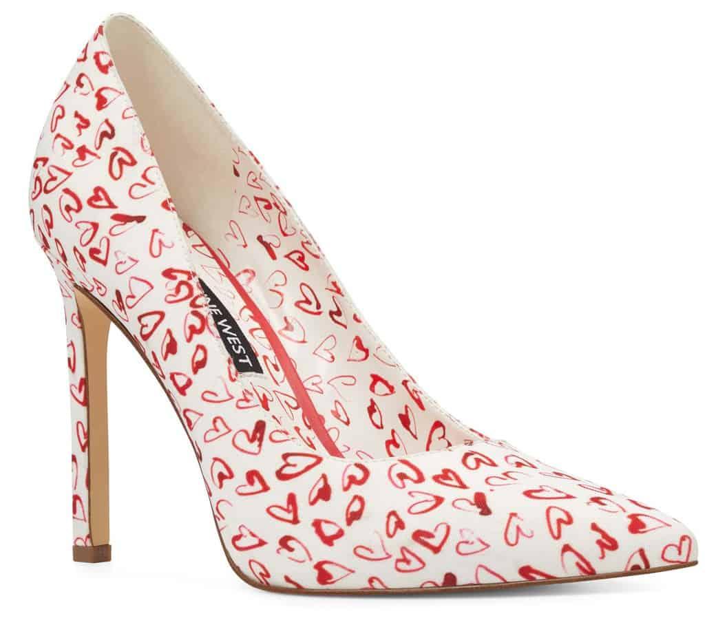 נעלי לבבות של ניין ווסט - מחיר 449.90שח. צילום- יחצ חול (7)