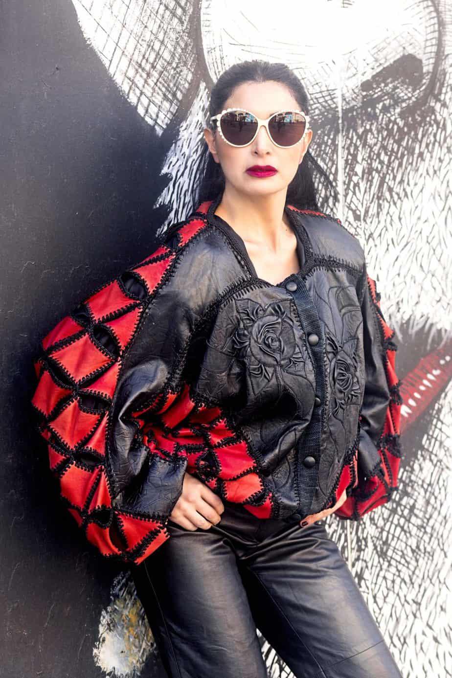 ז'קט עור SOFIA LOREN. מאיה אושרי כהן, צילום: Gennadiy Tsodik, אופנה במנהרת הזמן, לוני ויטג׳ -