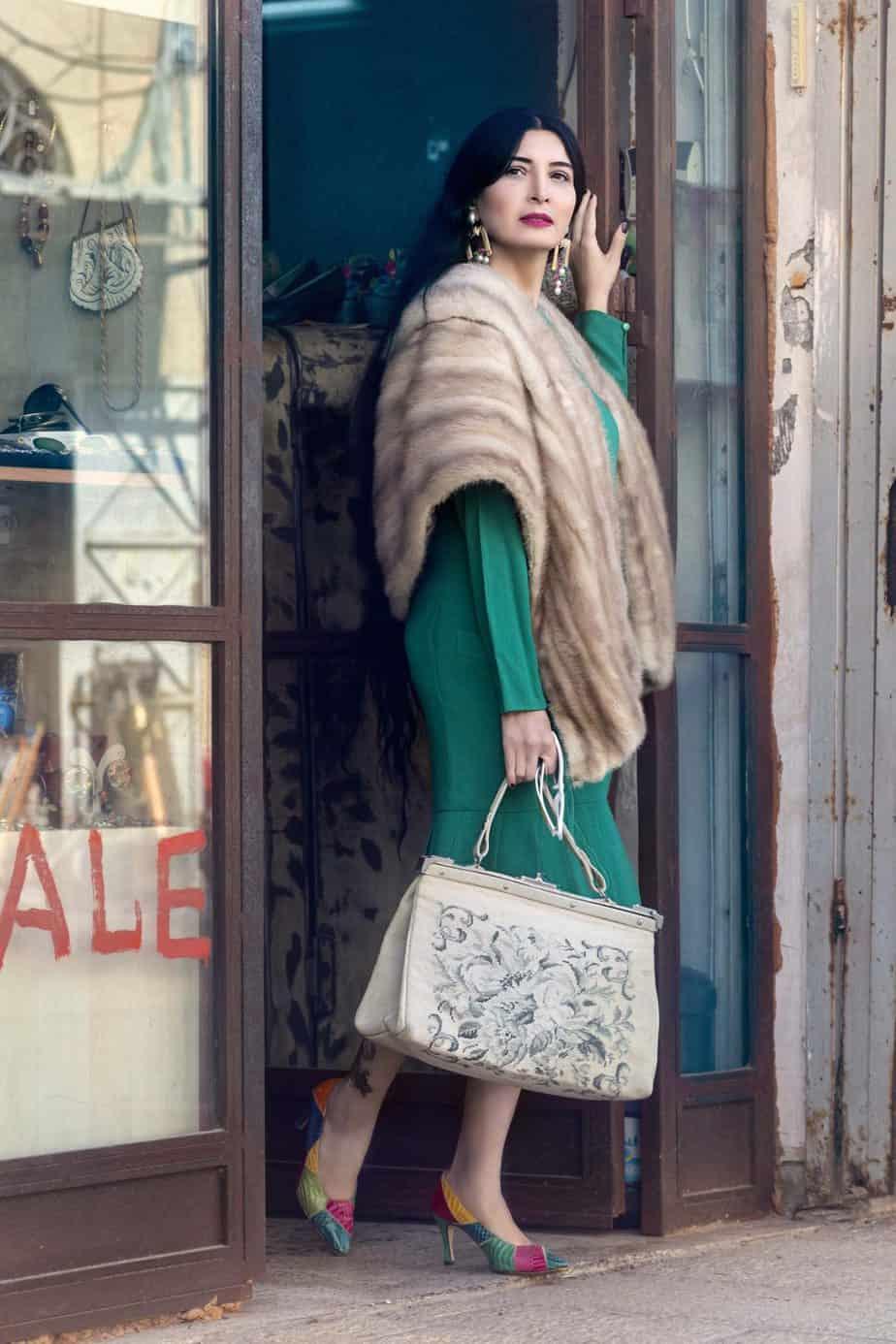שמלה christian Dior נעליים מותג CHARLES צרפתי. . . מאיה אושרי כהן, צילום: Gennadiy Tsodik, אופנה במנהרת הזמן, לוני ויטג׳ -