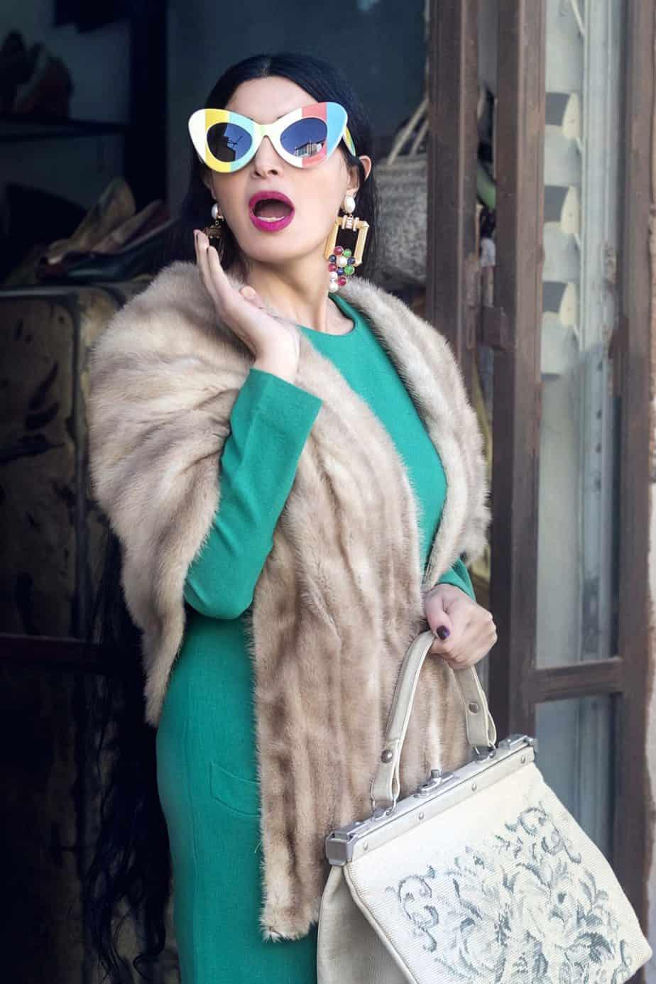 תיק גובלן, פרווה elizabeth taylor. מאיה אושרי כהן, צילום: Gennadiy Tsodik, אופנה במנהרת הזמן, לוני ויטג׳ -