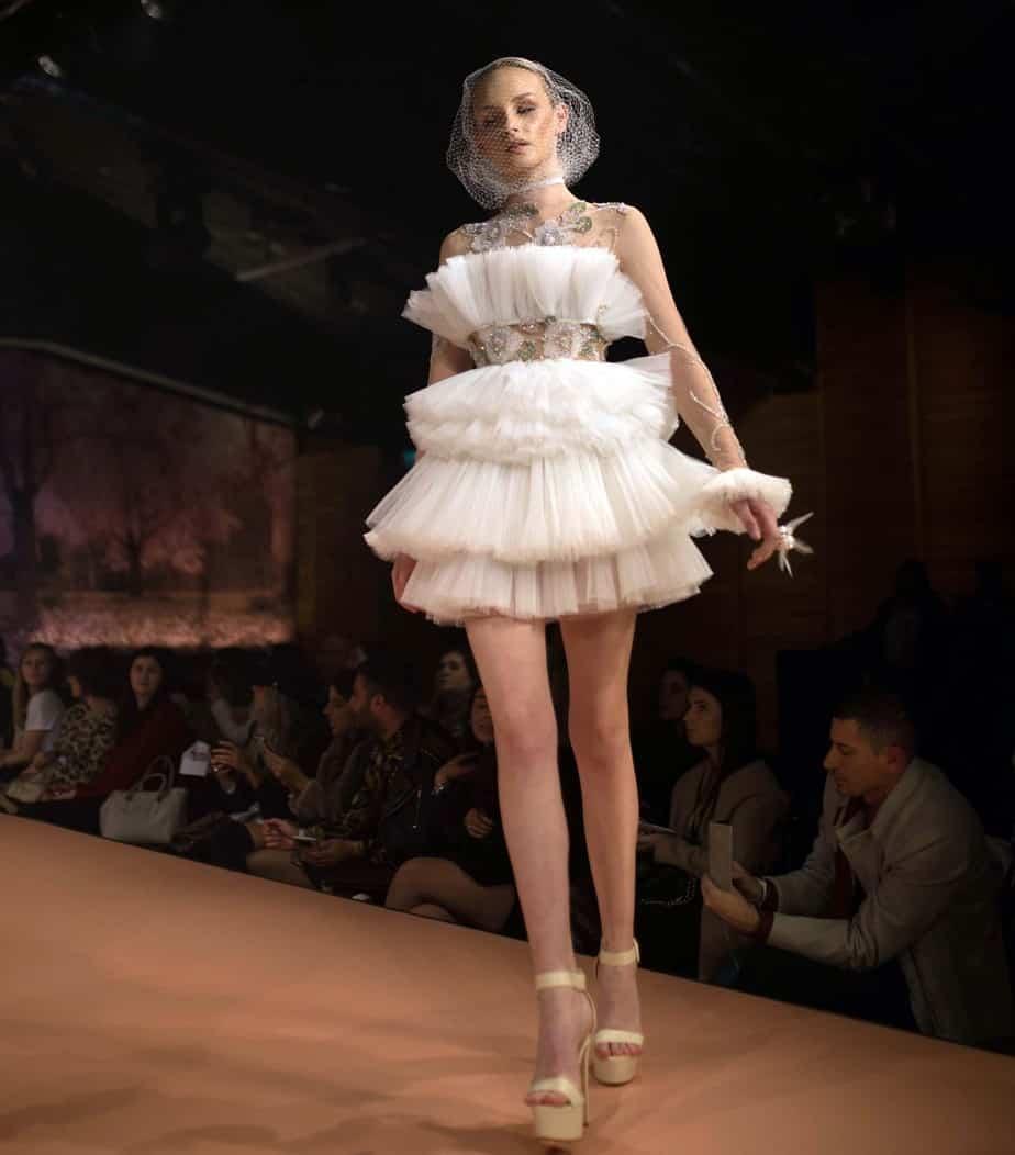 שמלת כלה של דילן פריאנטי. Israel Bridal fashion week. צילום: יונתן אזולאי
