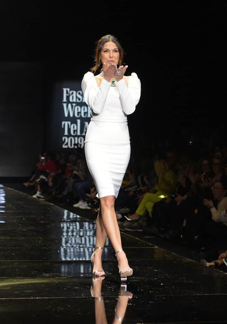 מורן אטיאס, רוח נשית. שבוע האופנה תל אביב 2019. צילום סרג'ו סטרודובצב - 1