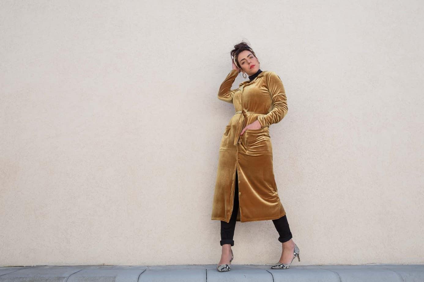 """אסתר בר-מוחא, שמלה: סיון קינן. צילום: אורית יאשקין """"סטודיו במיה"""""""