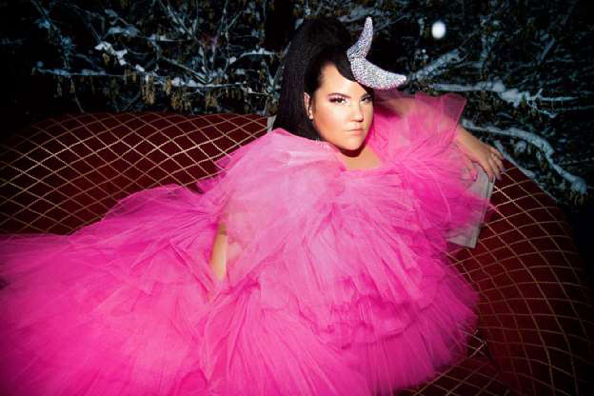 נטע ברזילי, צילום דניאל קמינסקי, עיצוב שמלה BOOBA MACHO- קארין וסילוק