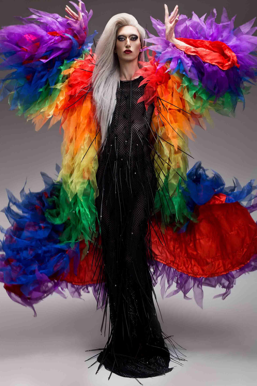 אירוויזיון 2019, שמלה של קיי לונג בהשראת דנה אינרנשיונל השיר דיווה צילום ניר סלקמן