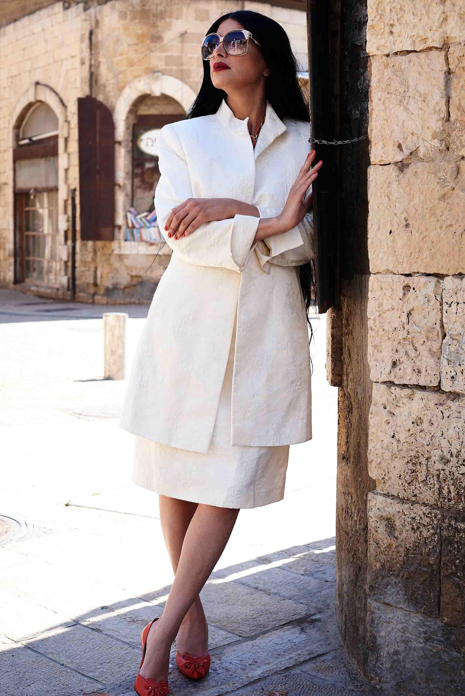 חליפת רטרו בסגנון וינטג TAHARI. מאיה אושרי כהן. צילום: Kim Kandler