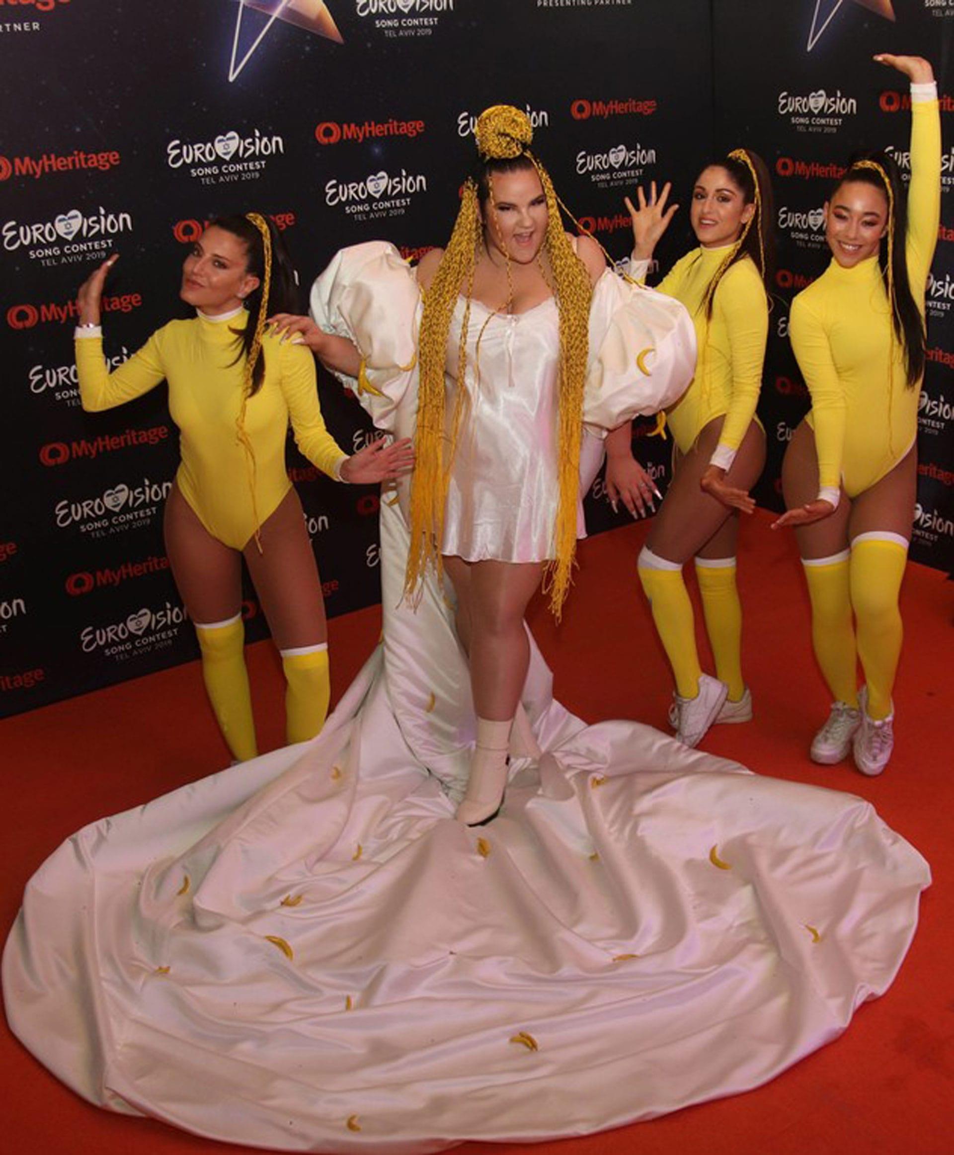 נטע ברזילי, צילום צילום אור גפן, עיצוב שמלה BOOBA MACHO - קארין וסילוק