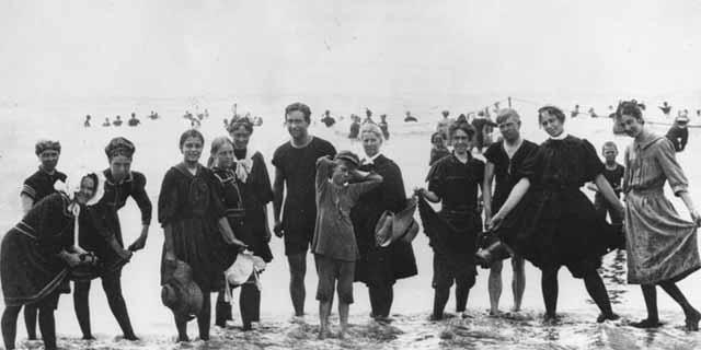 בגדי הים של המאה ה- 19