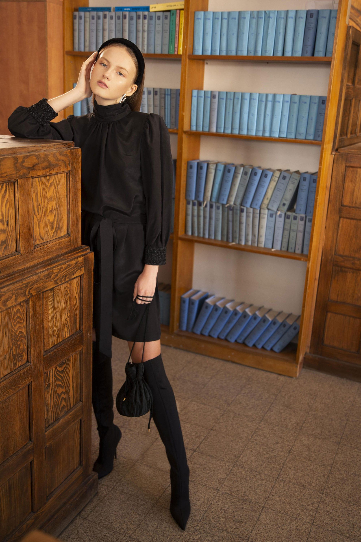 """שמלה שחורה של רוחמה קזז למותג """"רוחמה"""". מחיר: 1,300 שקל. . צילום: הילה חן"""