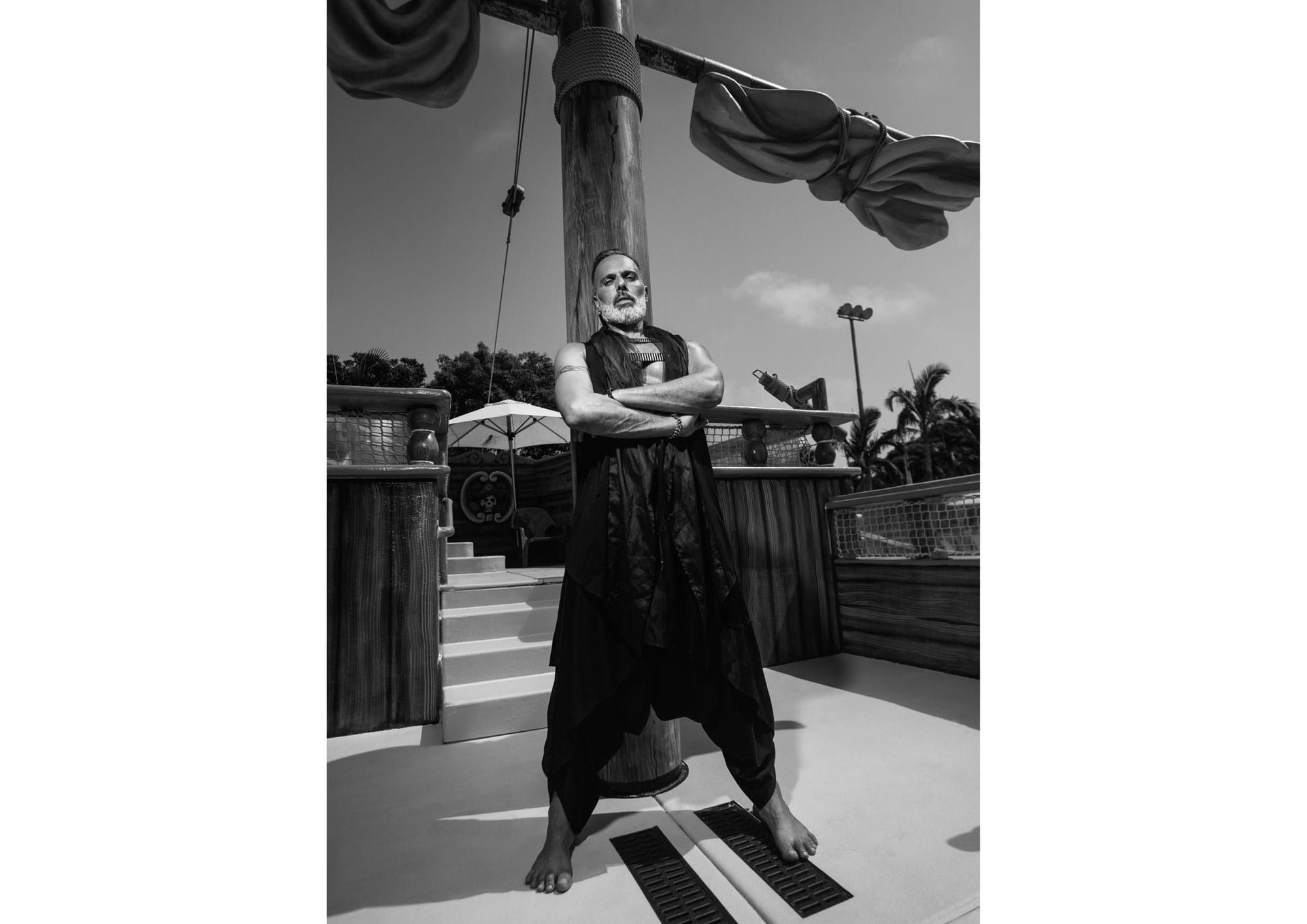 25Photography: Segev Orlev Styling: Mauricio Arcillo, Fashion: Aarketa, Makeup Artist: Orna Rimok, Hair Stylist: Elad Uziel, Hair & Makeup: lior krispel, Models: Sami Dadon, Yinon Perets, Ldor Bar Or, Yaniv Putterman, Producer: Orna Rviztky for Fashion Israel, Pr: Rotem Lalush
