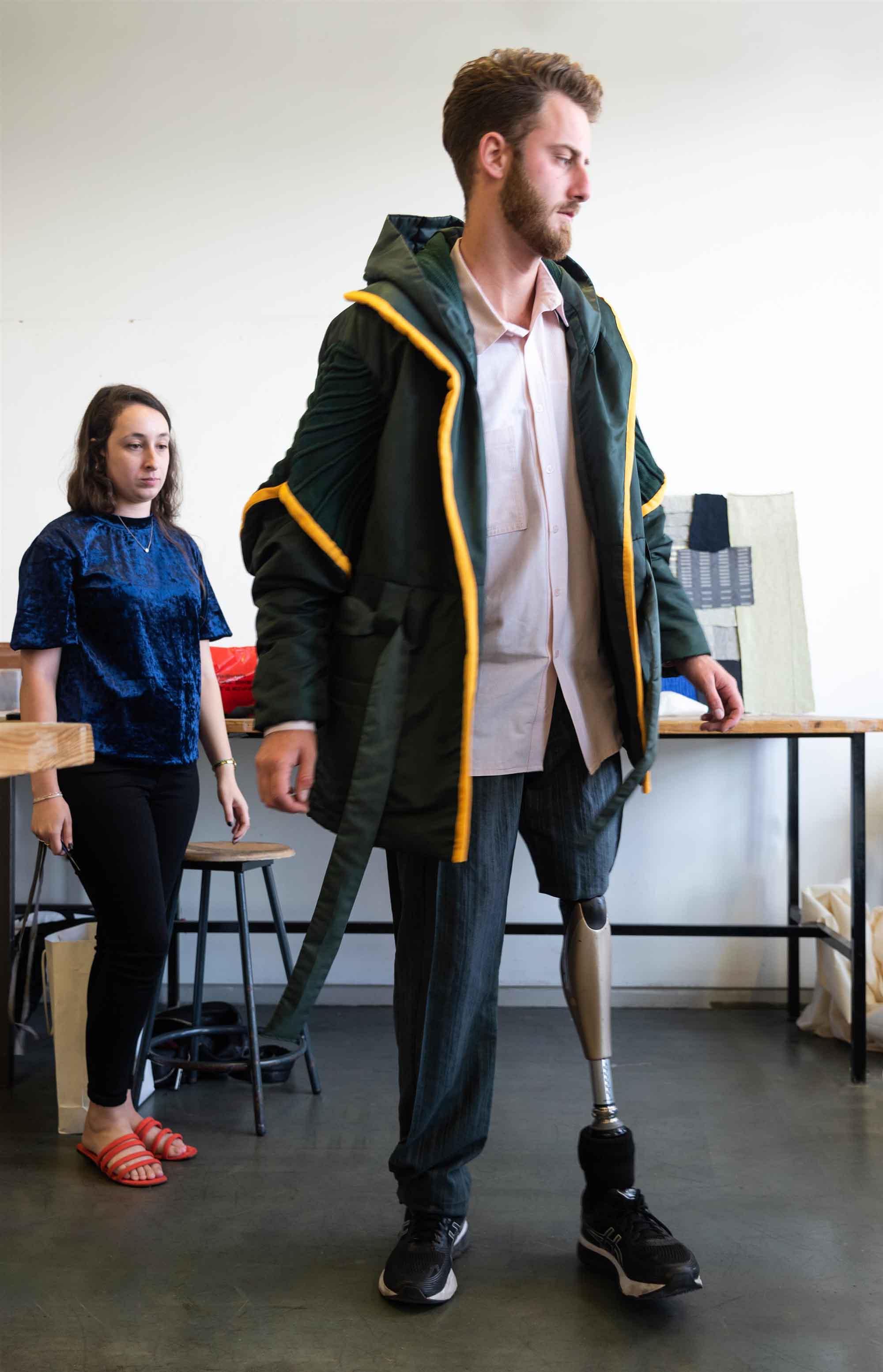 סקי מים. הנרי חן. שנקר: גיל חסון ושני פלג, עיצוב אופנה
