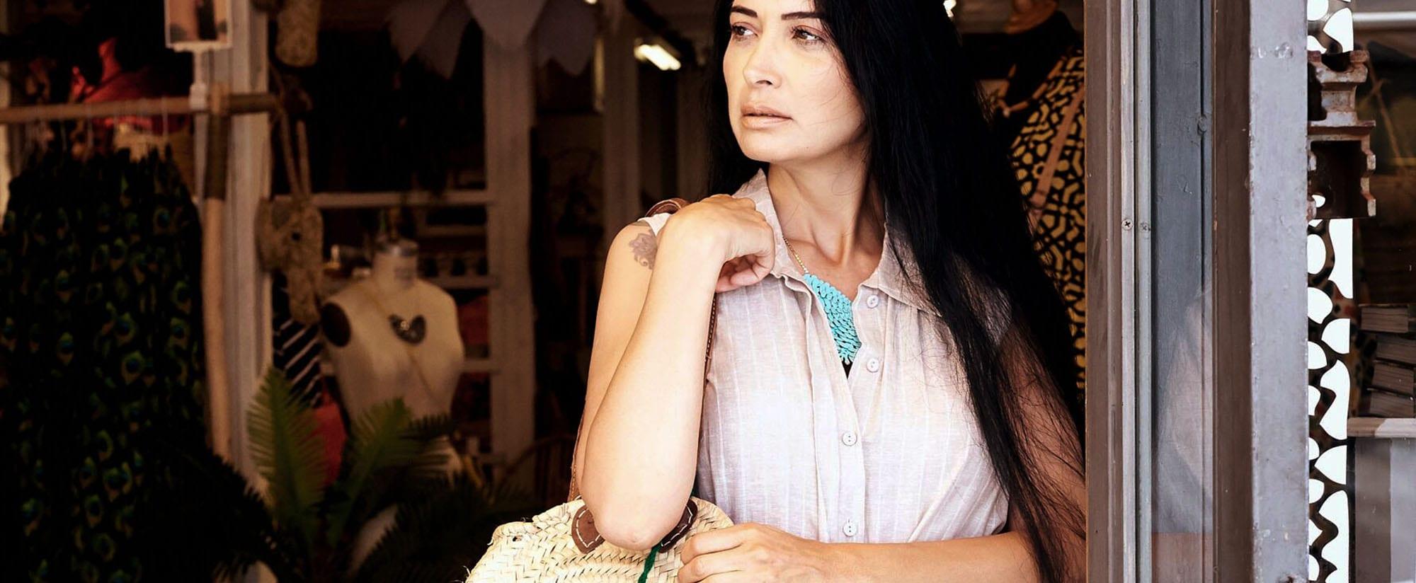 אופנה, מאיה אושרי כהן, שמלת יעלה אבן, סל יבוא אישי ממרוקו קרן שביט צילום kim kandler