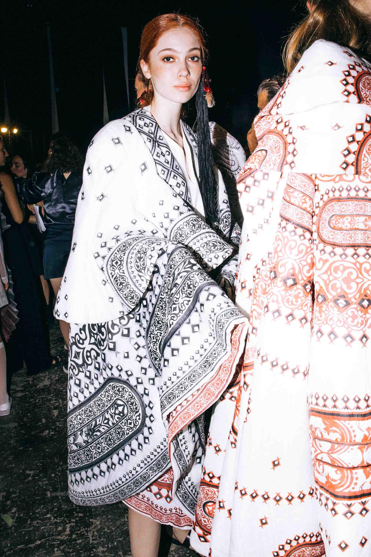 אופנה, חדשות אופנה, כתבות אפנה, שנקר 2019, נטע איטח, Backstage_at_Shenkar_fashion_show_2019._Photo_Adi_Segal_-_Netta_Ittah_collection_(1)