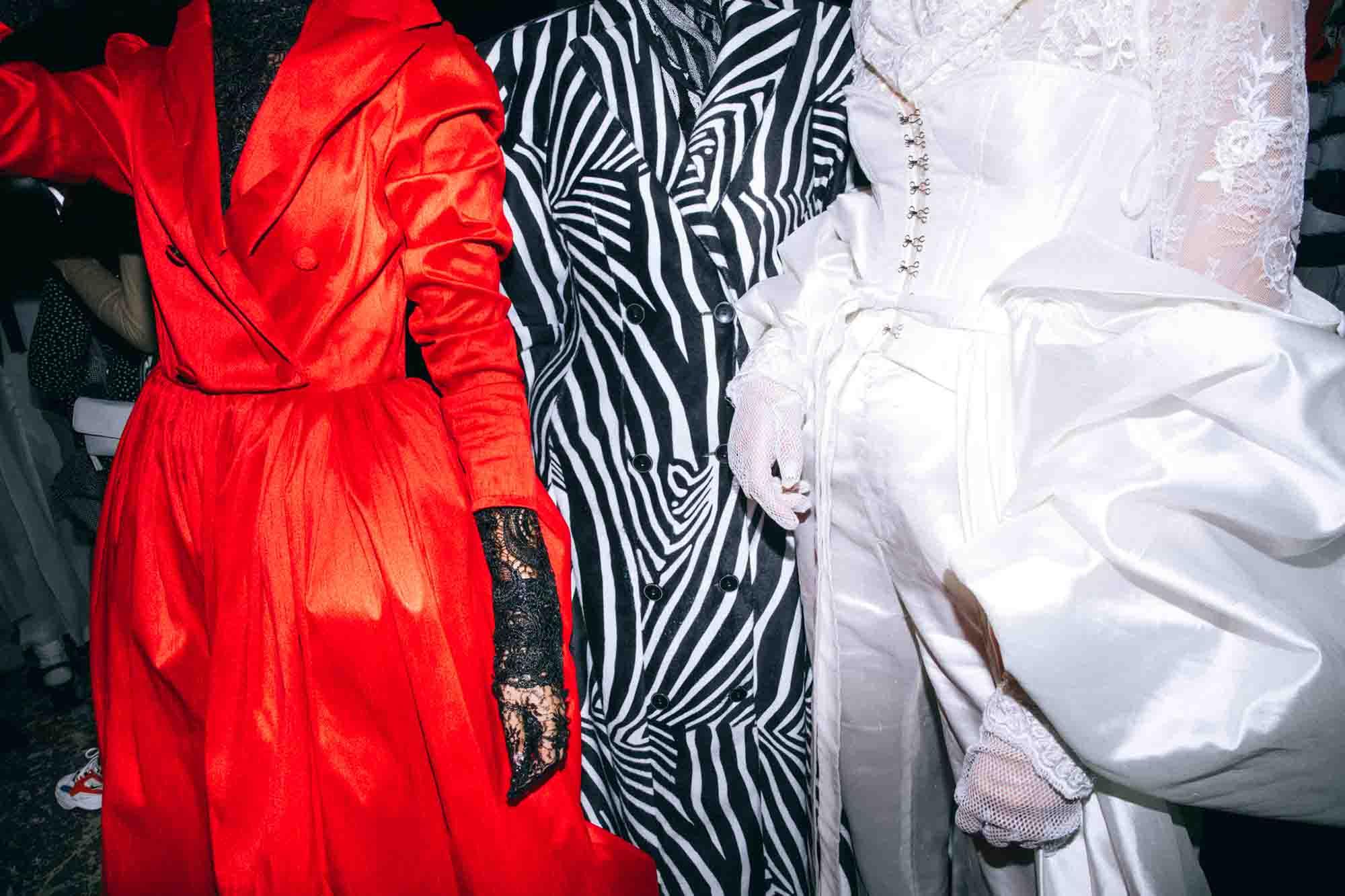 אופנה, חדשות אופנה, כתבות אפנה, שנקר 2019, צילום עדי סגל, טל מדינה, Backstage_at_Shenkar_fashion_show_2019._Photo_Adi_Segal_-_Tal_Medina_collection_(1) - 12