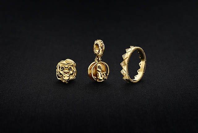 מגזין אופנה, אופנה, תכשיטי PANDORA קולקציית מלך האריות. טבעת 425 שקל. תליון 425 שקל. צ'ארמ אריה 335 שקל. צילום: יח״צ חו״ל