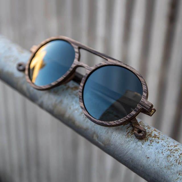 מגזין אופנה, אופנה, משקפיים של Mr. Woodini Eyewer