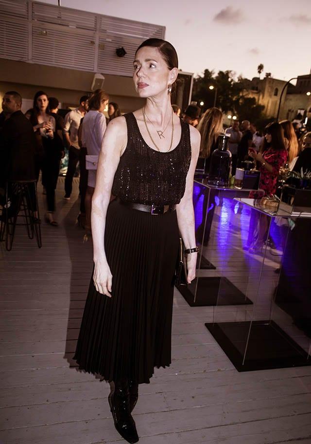 רונית יודקביץ׳: טוטאל לוק: זארה, תיק: מנגו). צילום: Morgan Jamie, - Fashion Israel - 2020 חדשות אופנה 2020, כתבות אופנה 2020, טרנדים 2020, מגזין אופנה ישראלי, אופנה -