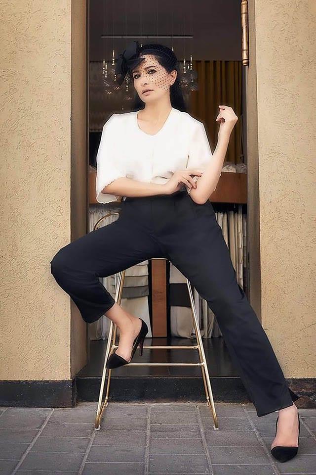 Fashion Israel - 2020 חדשות אופנה, כתבות אופנה 2020, טרנדים, מגזין אופנה, אופנה - מכנסיים וחולצה buy kilo צילום kim kandler