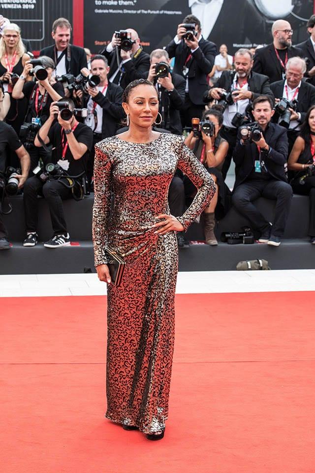 מלאני בי בפסטיבל הסרטים בוונציה בשמלה של מנילה גרייס לרשת האופנה סיליז צילום יחצ חול מאושר לשימוש (2)Fashion Israel - חדשות אופנה, כתבות אופנה, טרנדים, מגזין אופנה, אופנה -