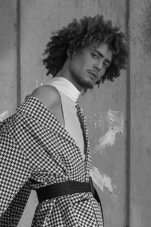 שגיא לירן, sagi liran - 7 Fashion Israel גקט משבצות וחגורה אוסף פרטי , טיץ שחור ארקטה 2020 חדשות אופנה 2020, כתבות אופנה 2020, טרנדים 2020, מגזין אופנה ישראלי, אופנה - 3
